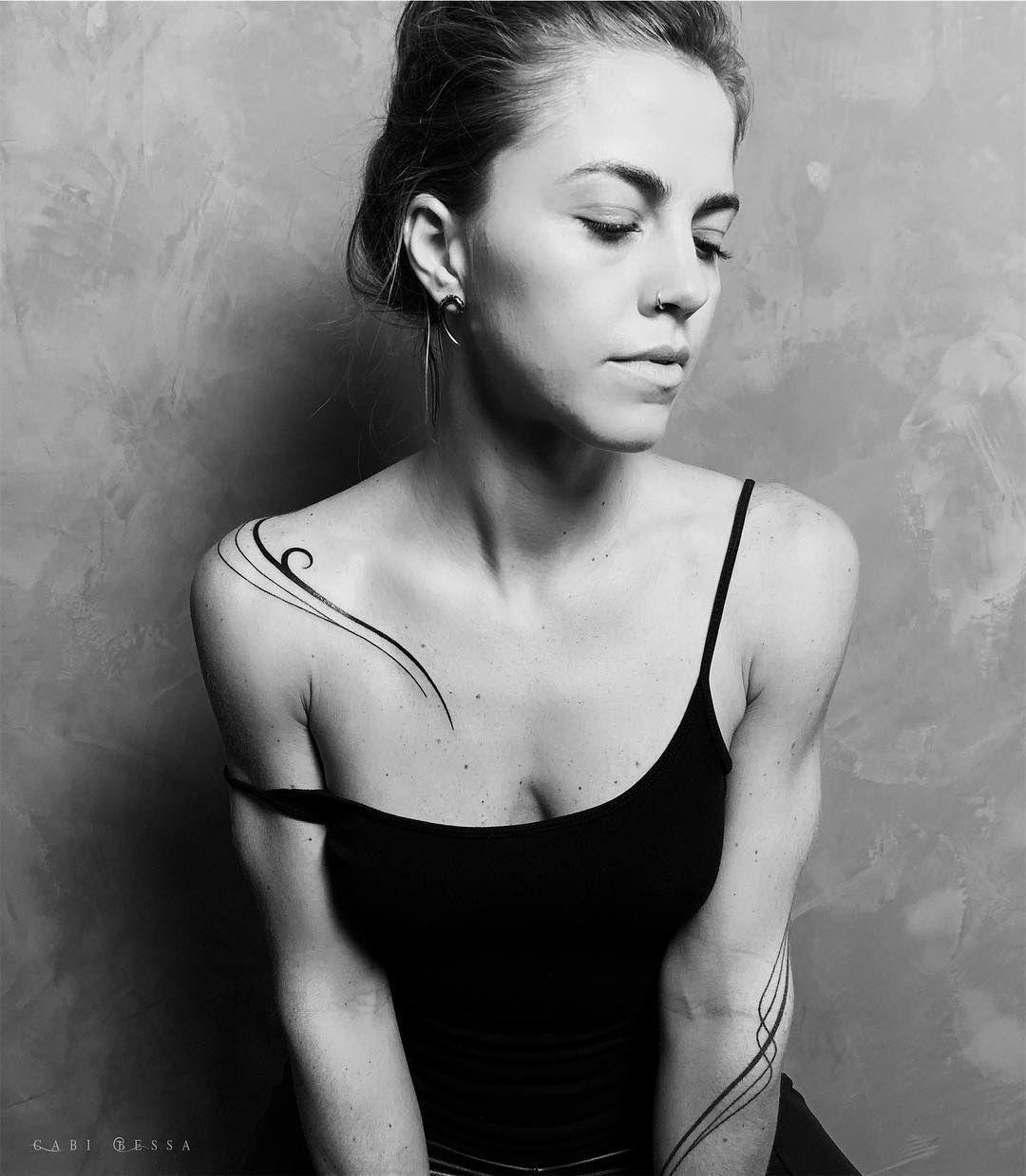 "Photo of Gabi Bessa TATTOO on Instagram: ""🖤 She with all her beauty !!! @bkblife_explorer #gabibessa #tattoo #tattoo #tattoofeminine #inked #inkedgirls #body #art # minimalist… """