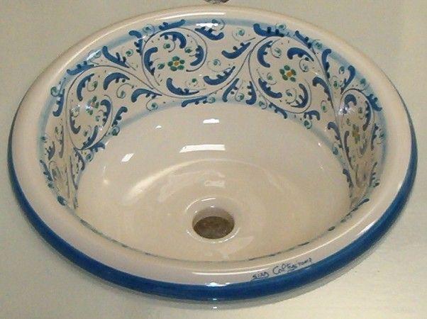Bellissimi i lavelli decorati e collocati in un bagno - Lavandini in ceramica da cucina ...