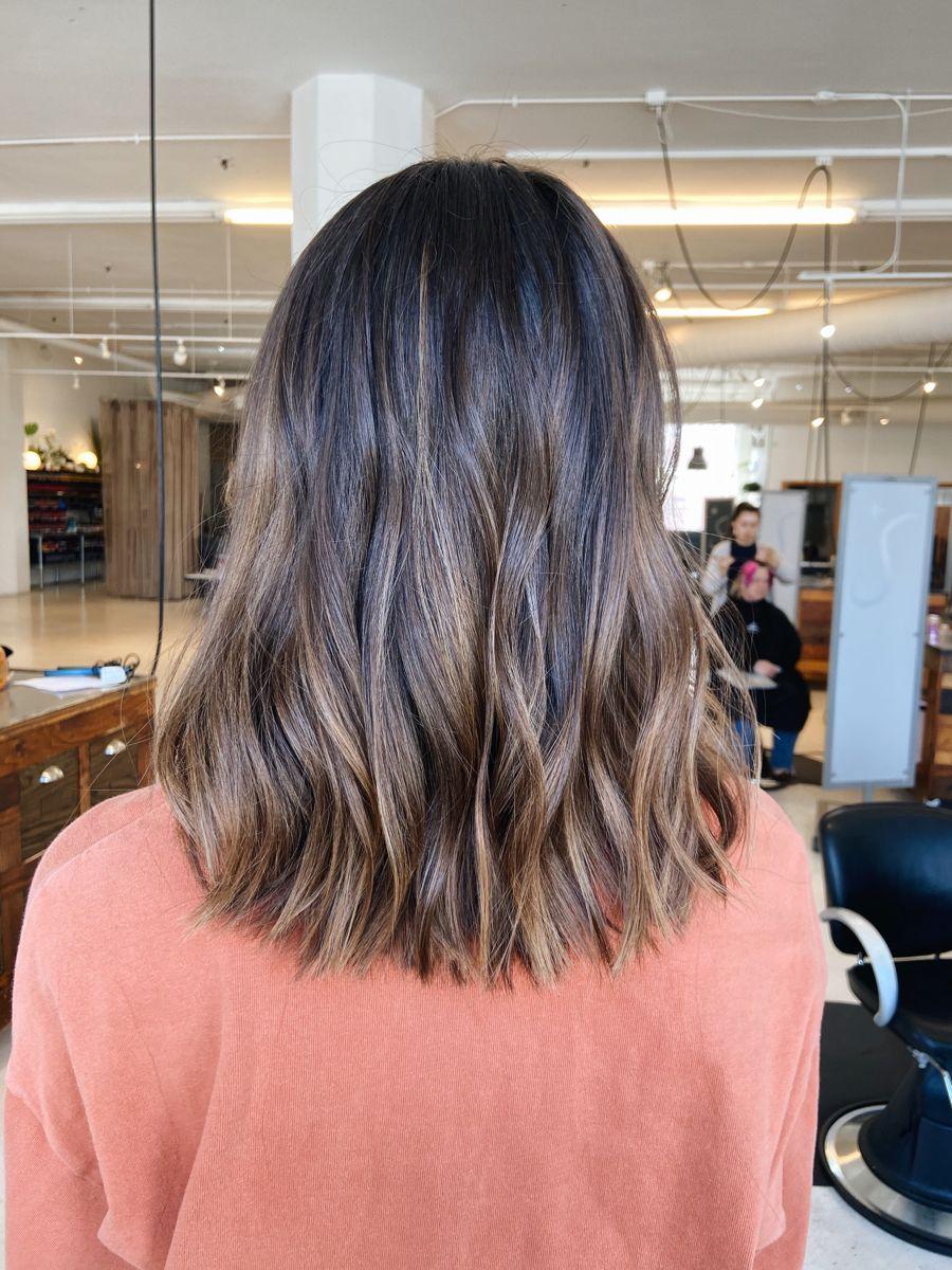 Brunette Balayage In 2020 Brunette Balayage Hair Short Brunette Balayage Hair Medium Brown Hair Balayage