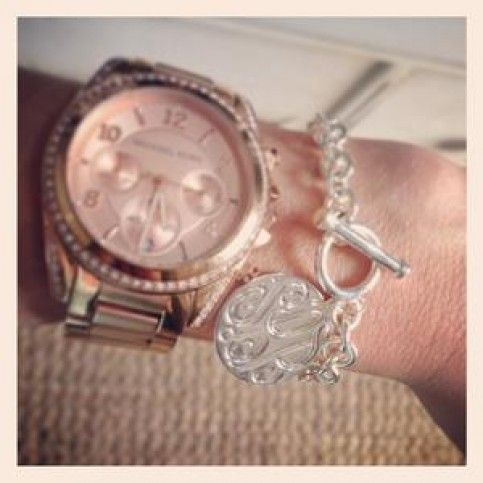 THE WELL APPOINTED HOUSE - Monogram Charm Toggle Bracelet with Engraved Disc Charm-Available in Gold or Silver #preppy