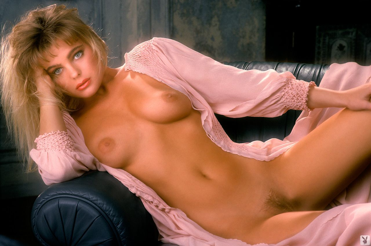 erika-eleniak-porno-foto