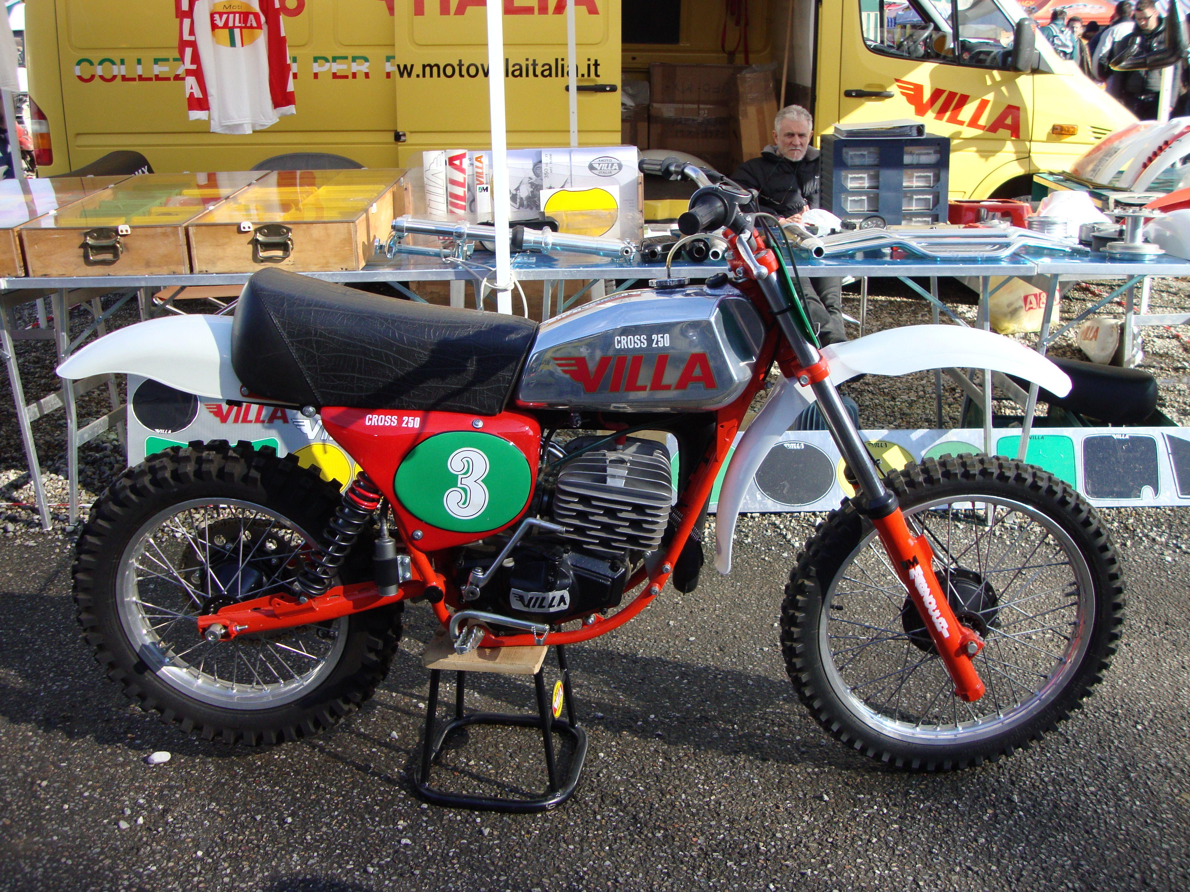 VILLA CR 250 1977