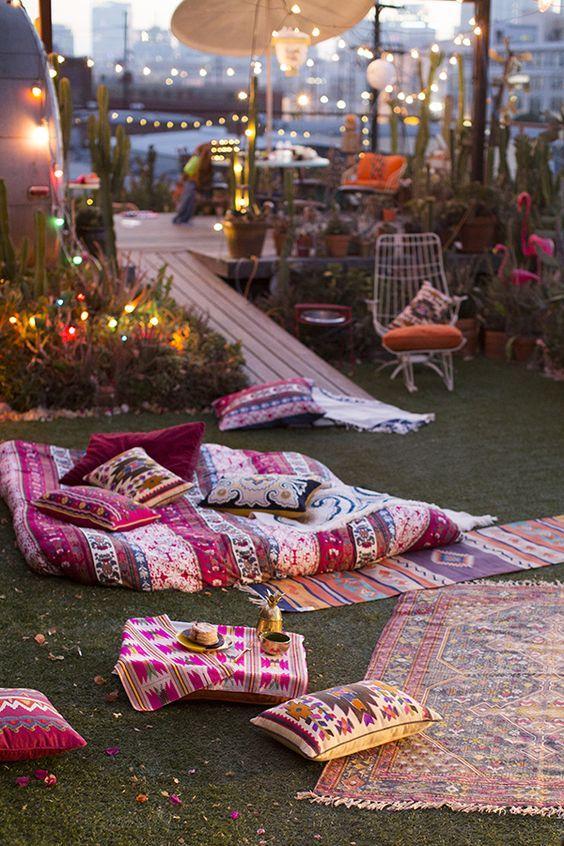 Decoracion Hippie En Terraza Decoracion De Unas Fiesta En El Jardin Decoracion De Exteriores