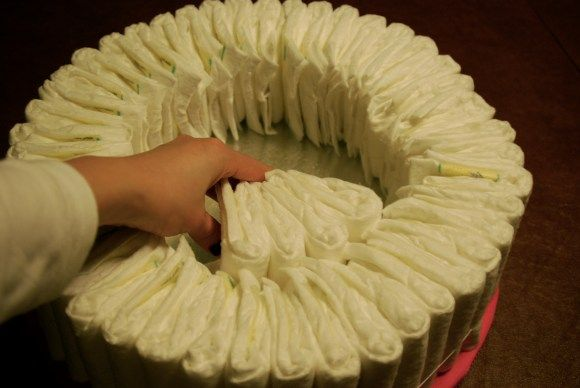 Diaper cake instructions - I like this way better than the way I have been doing it