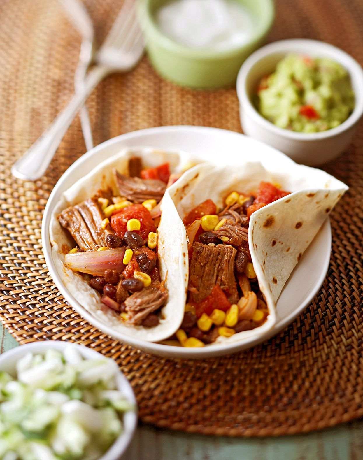 15 Fajita Ideas to Add Sizzle to Your Supper #beeffajitarecipe Fajita Recipes to Spice Up Your Dinner Routine #steakfajitarecipe