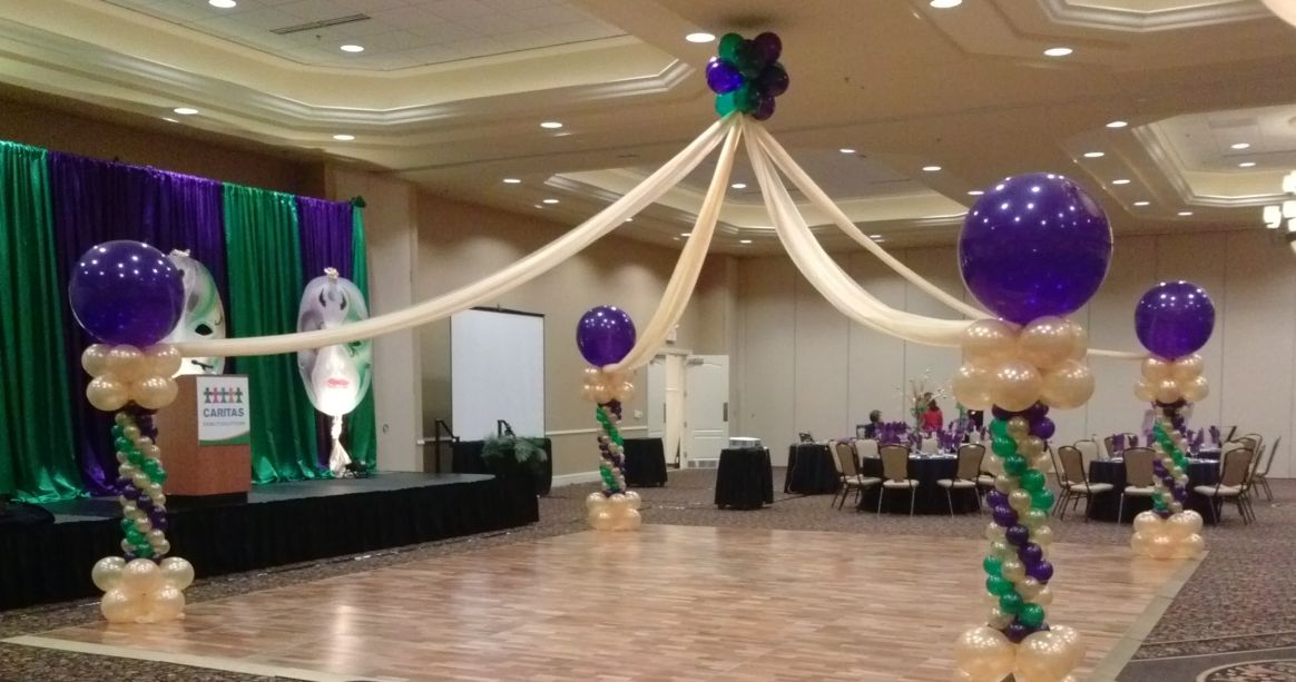 Luxirous Purple White Balloon Decor In A Hotel Hall