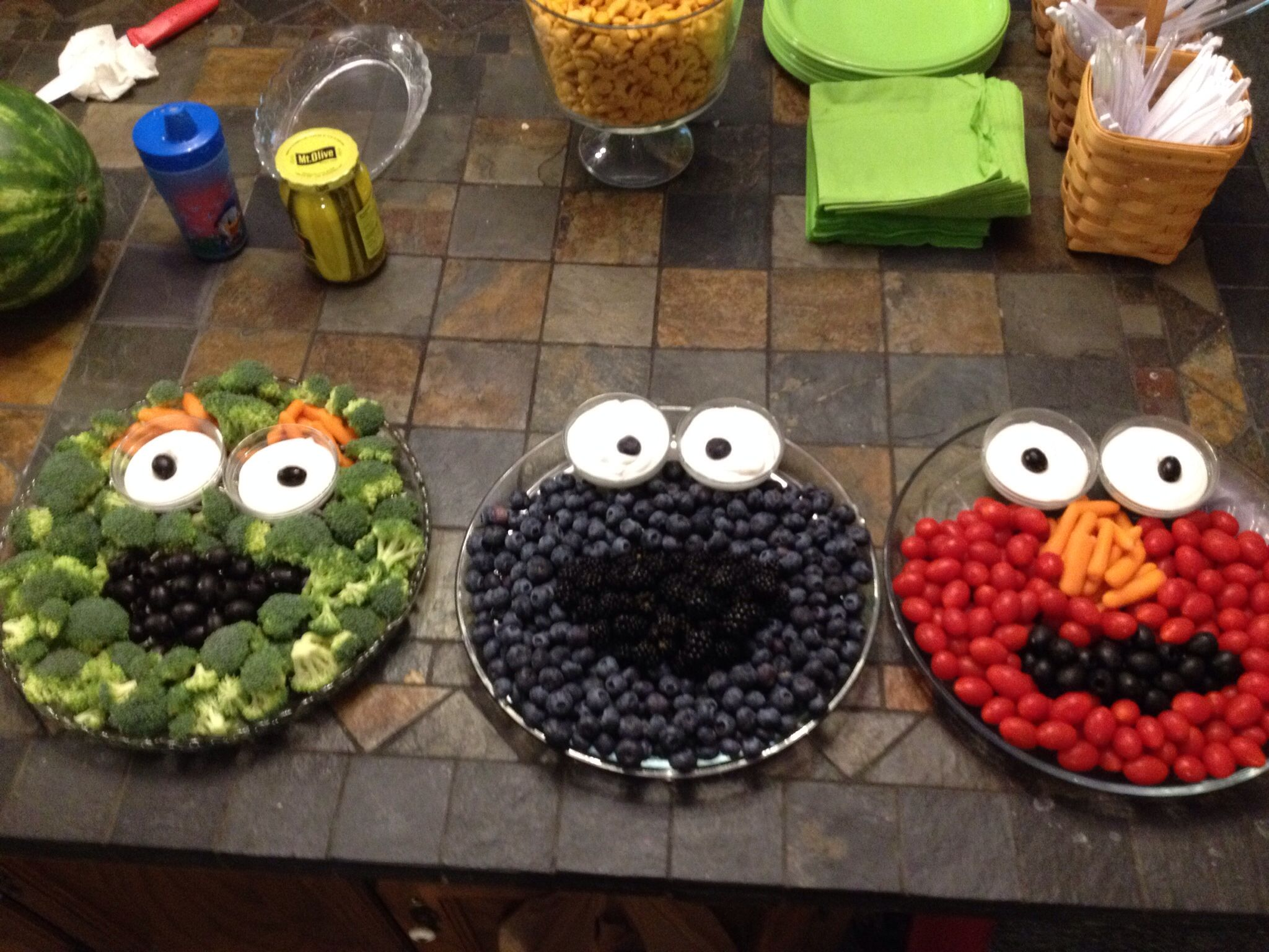 Easy veggie fruit trays for a Sesame Street party