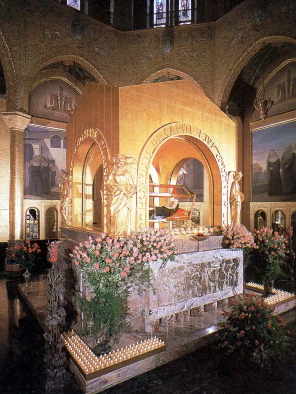 Cascia, Italy... St. Rita Pray for Us  March 2003