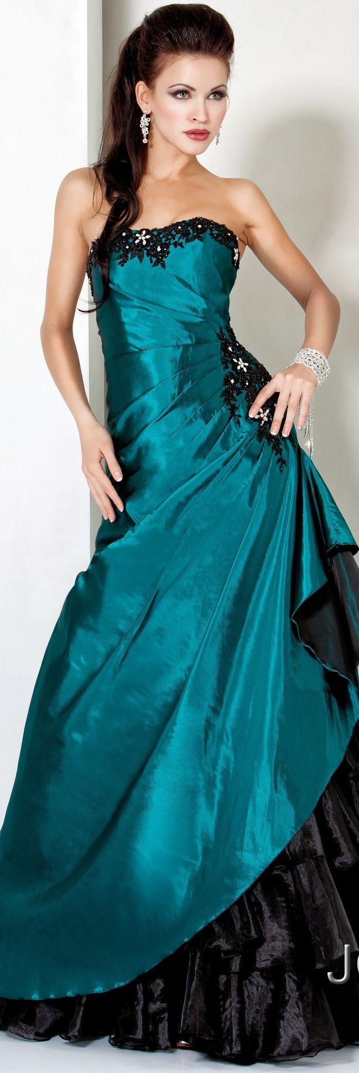 Jovani Prom couture 2013 I love the color and how it\'s gathered at ...