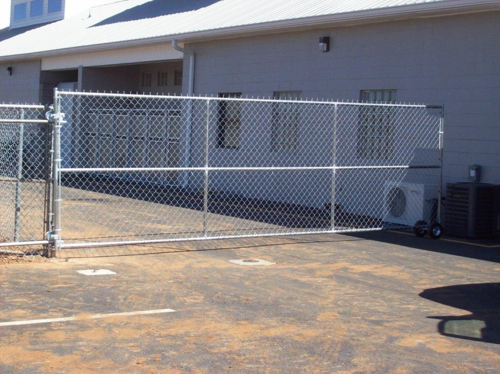 Chain Link Slide Gate With Wheels With Images Chain Link Fence