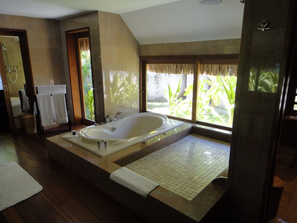 A bathroom with a view #borabora #Tahiti