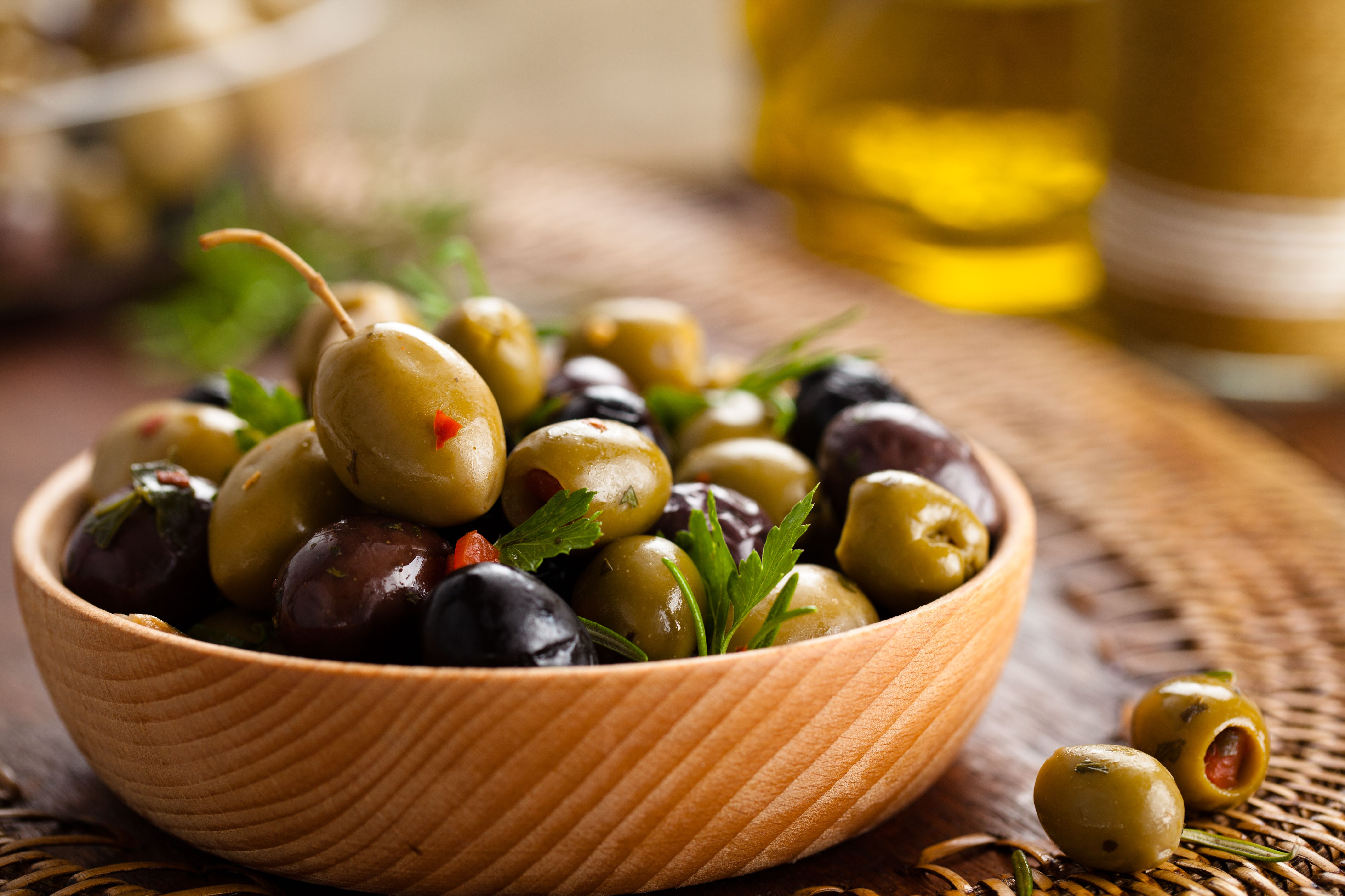 Marinated Spanish Olives Food So Good Mall Recipe Olive Recipes Marinated Olives Greek Appetizers