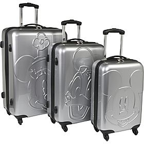 I LOVE LUGGAGE. AND I LOVE MICKEY! WHAT A BEAUTIFUL COMBO!