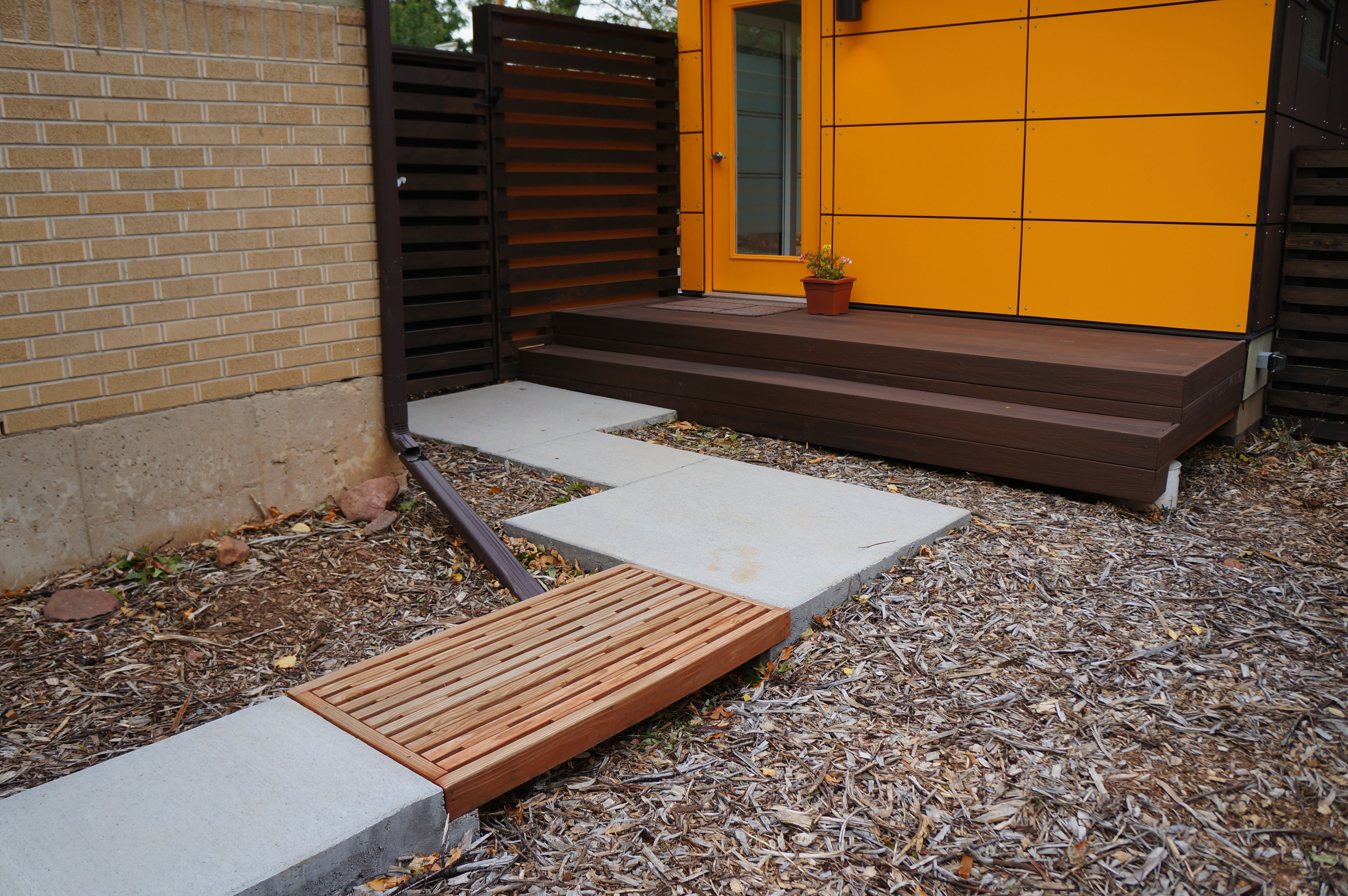 www studio shed com side yard entrance for clients to 14x26 studio