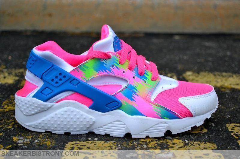 make a bold statement with this nike air huarache print gs nike pinterest pink blue nike and blue green - Nike Huarache Colors