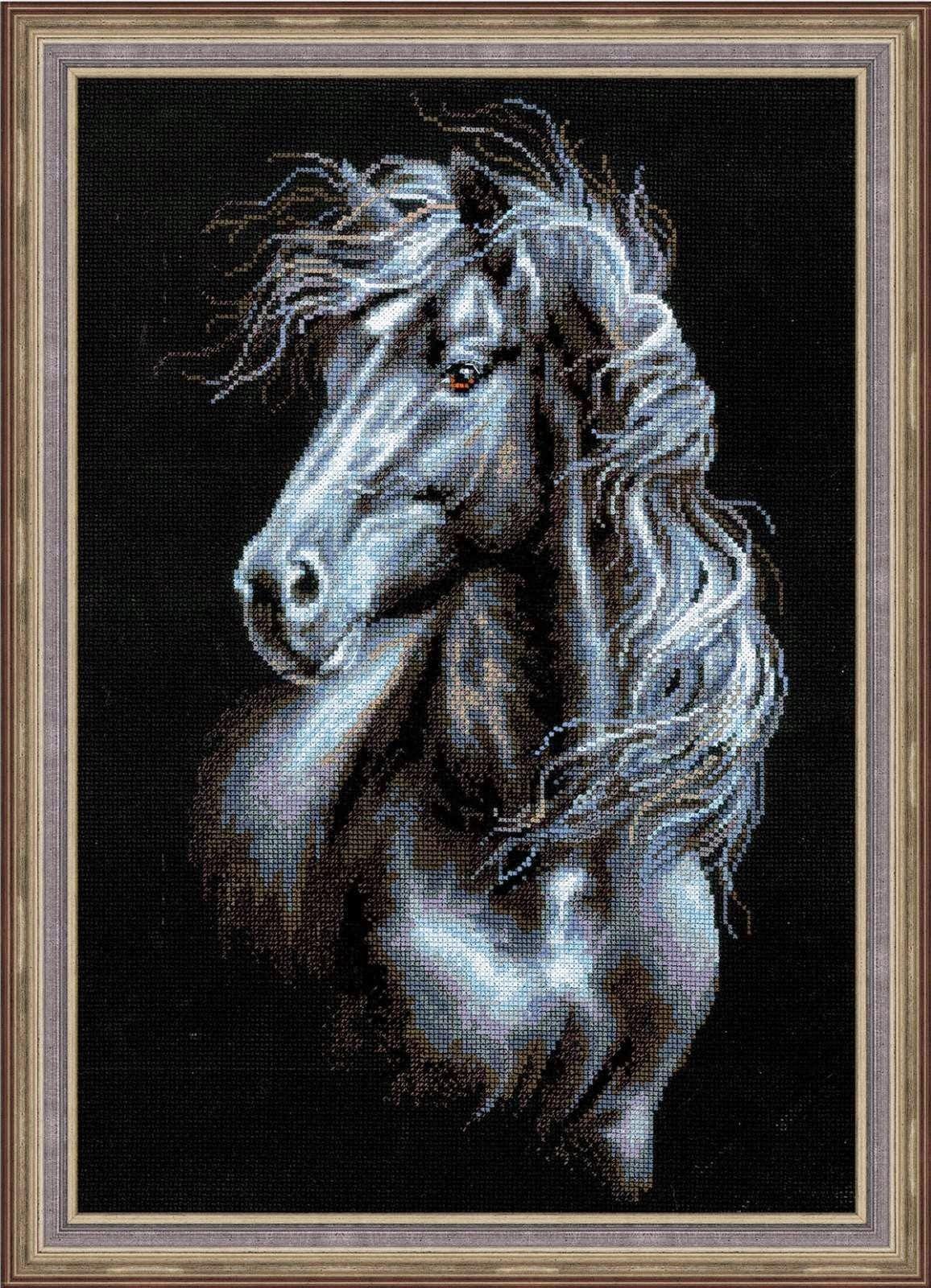 Схема вышивки крестом черной лошади фото 455