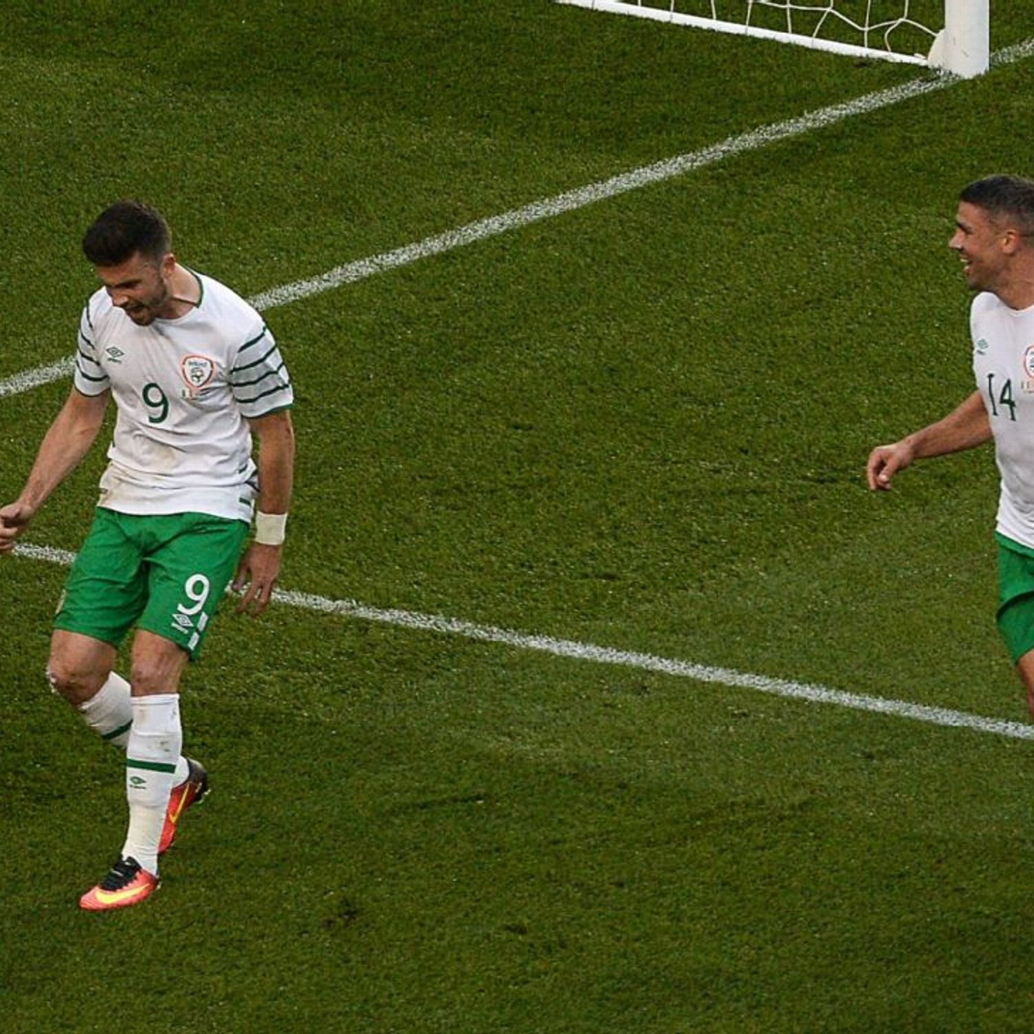 Republic of Ireland can write 'new chapter' vs. France - Shane Long