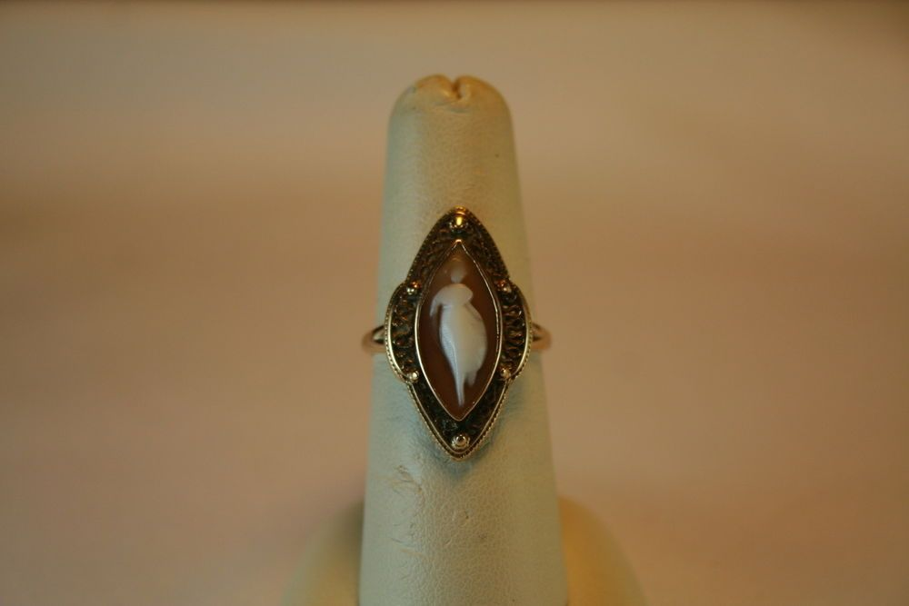 Vintage 10k Yellow Gold Size 7 Cameo Ring with Beautiful Filigree