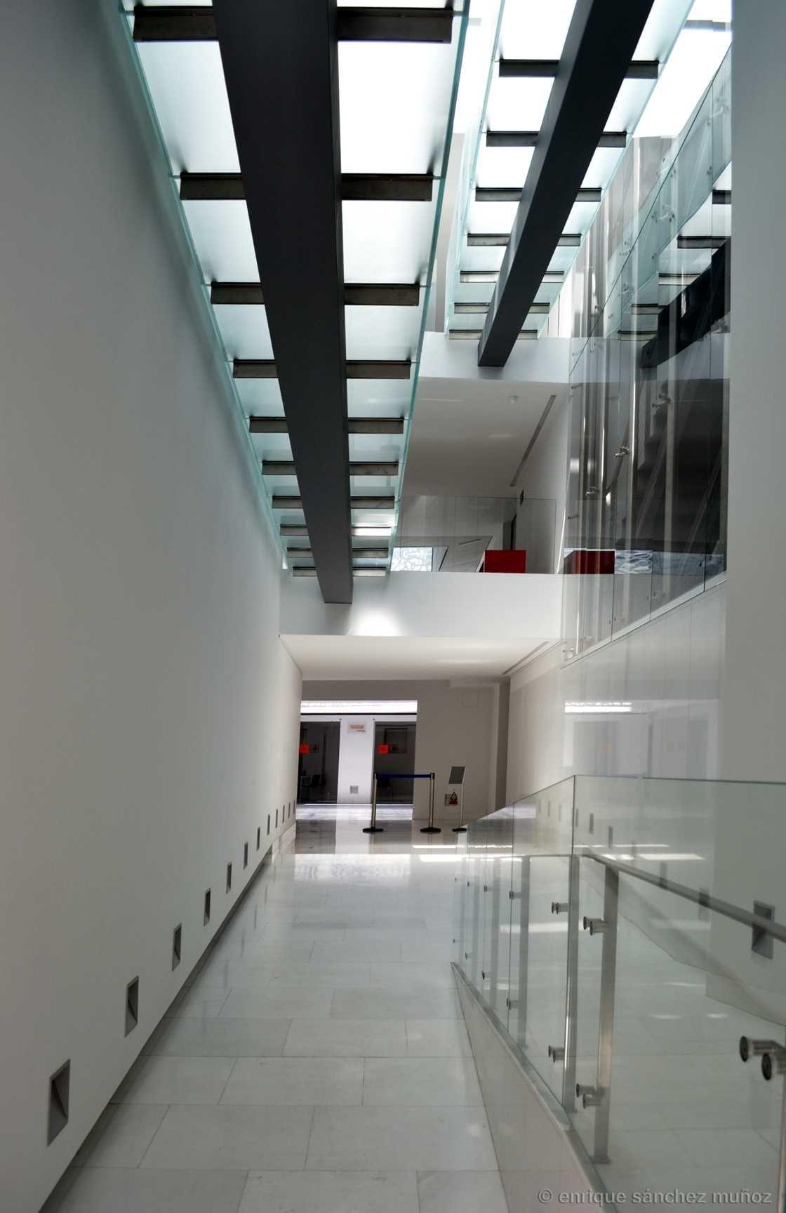 Colegio de arquitectos de toledo spain pasarelas de vidrio glass walkways arq antonio - Colegio arquitectos toledo ...