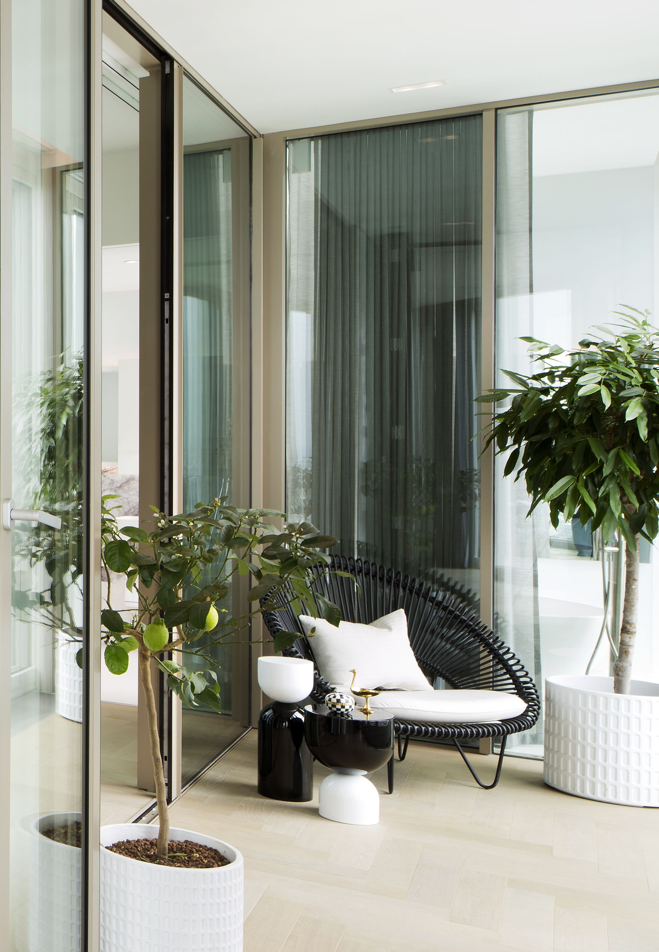 This winter garden occupies the 8th floor of a contemporary
