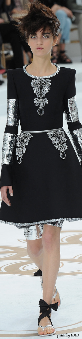 Chanel Fall 2014 Couture.....DIFFERENT SHOES AND FISHNETS OR SOMETHING