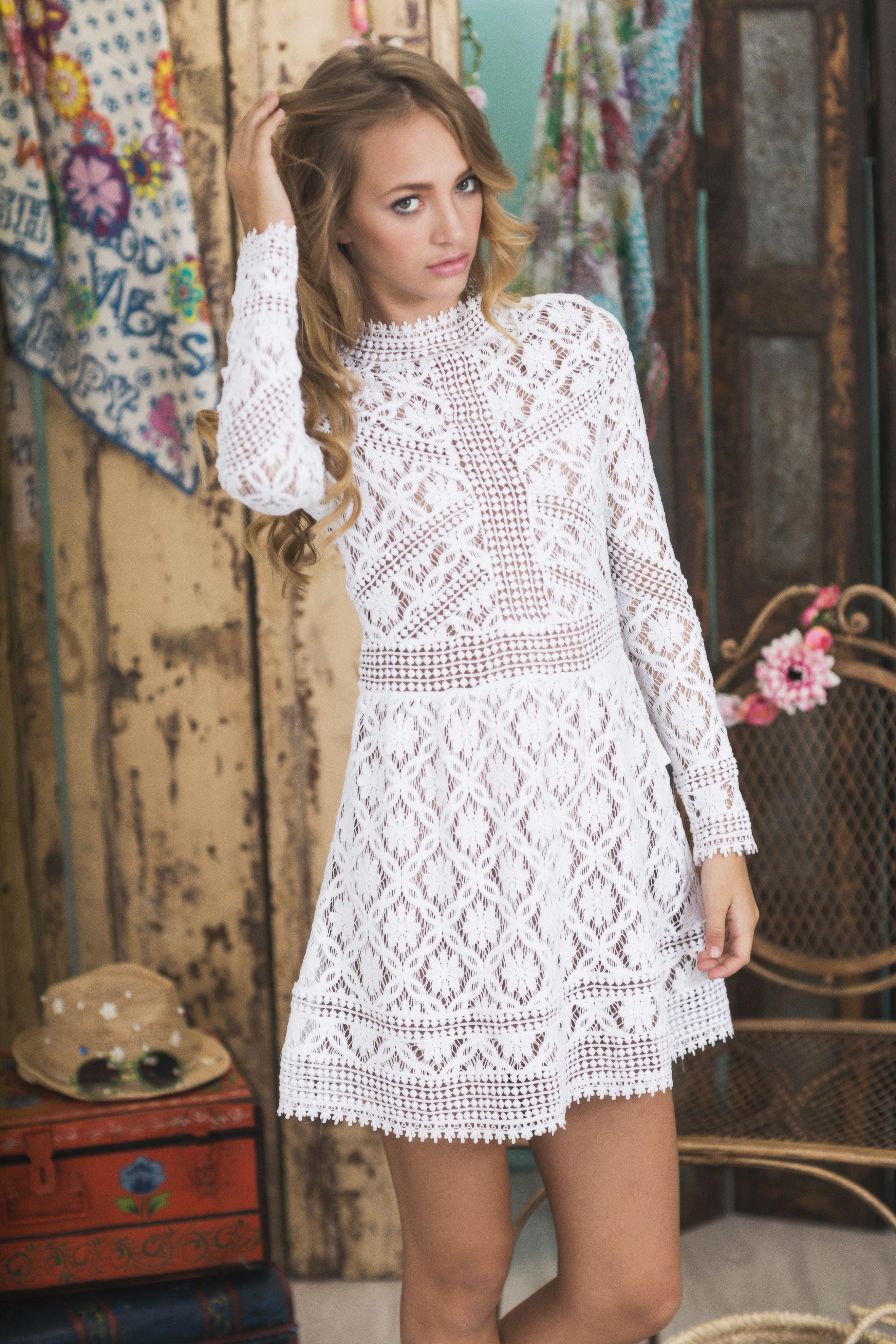 Vestido en guipur blanco