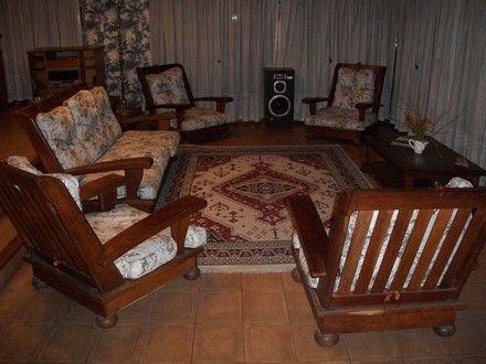 Decoraci n de salas con muebles de algarrobo decoraci n - Decoracion con muebles antiguos ...