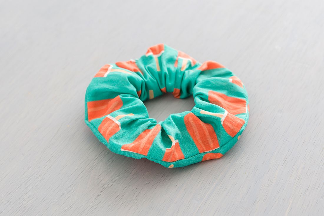 The Scrunchy Is BACK, and Here's How to Make One ...