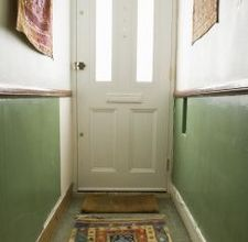 How to Liven Up a Small Hallway
