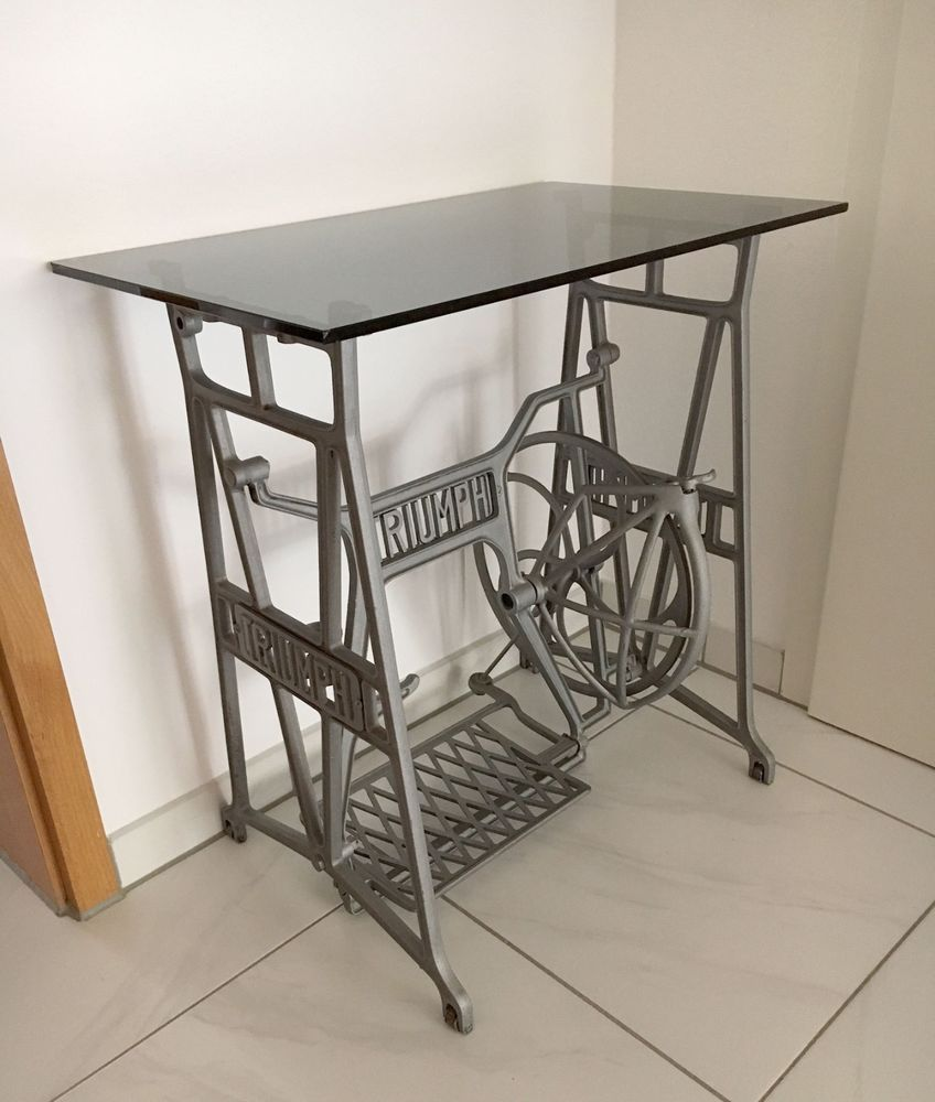 rar antik n hmaschine gestell triumpf glas tisch beistelltisch gartentisch deko wohnen. Black Bedroom Furniture Sets. Home Design Ideas