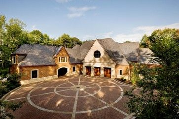 Driveway But With Cobblestone In The Back Drive Under A Portico Traditional Exterior Architecture Design House Styles