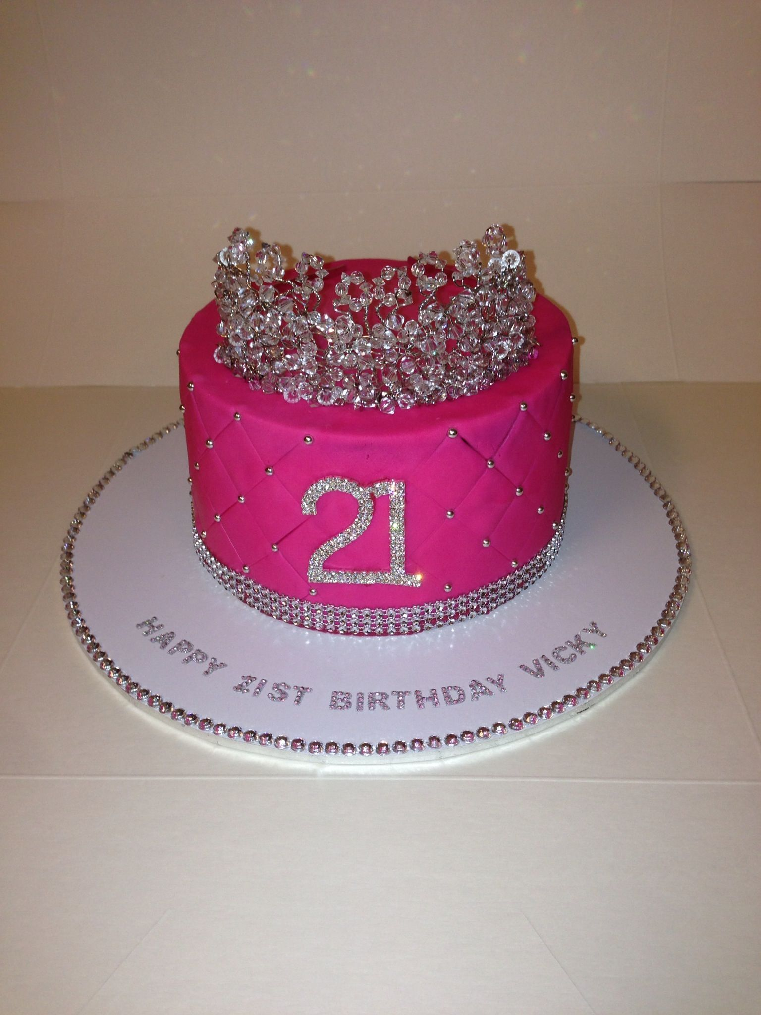 Tiara 21st Birthday Cake With Images 21st Birthday Cakes 21st