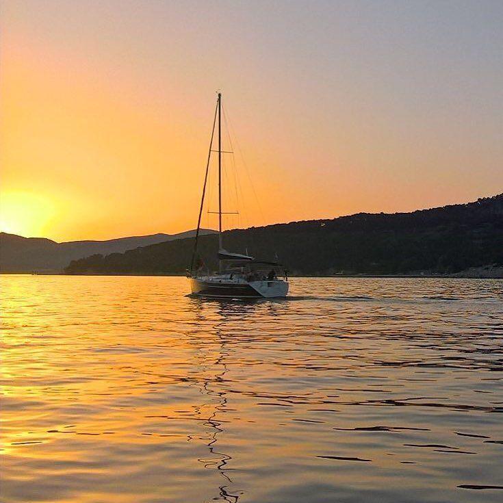 Adrianmerellä. #croatia #kroatia #split #sun #sailboat #sea #sunset by mikkovheikkila