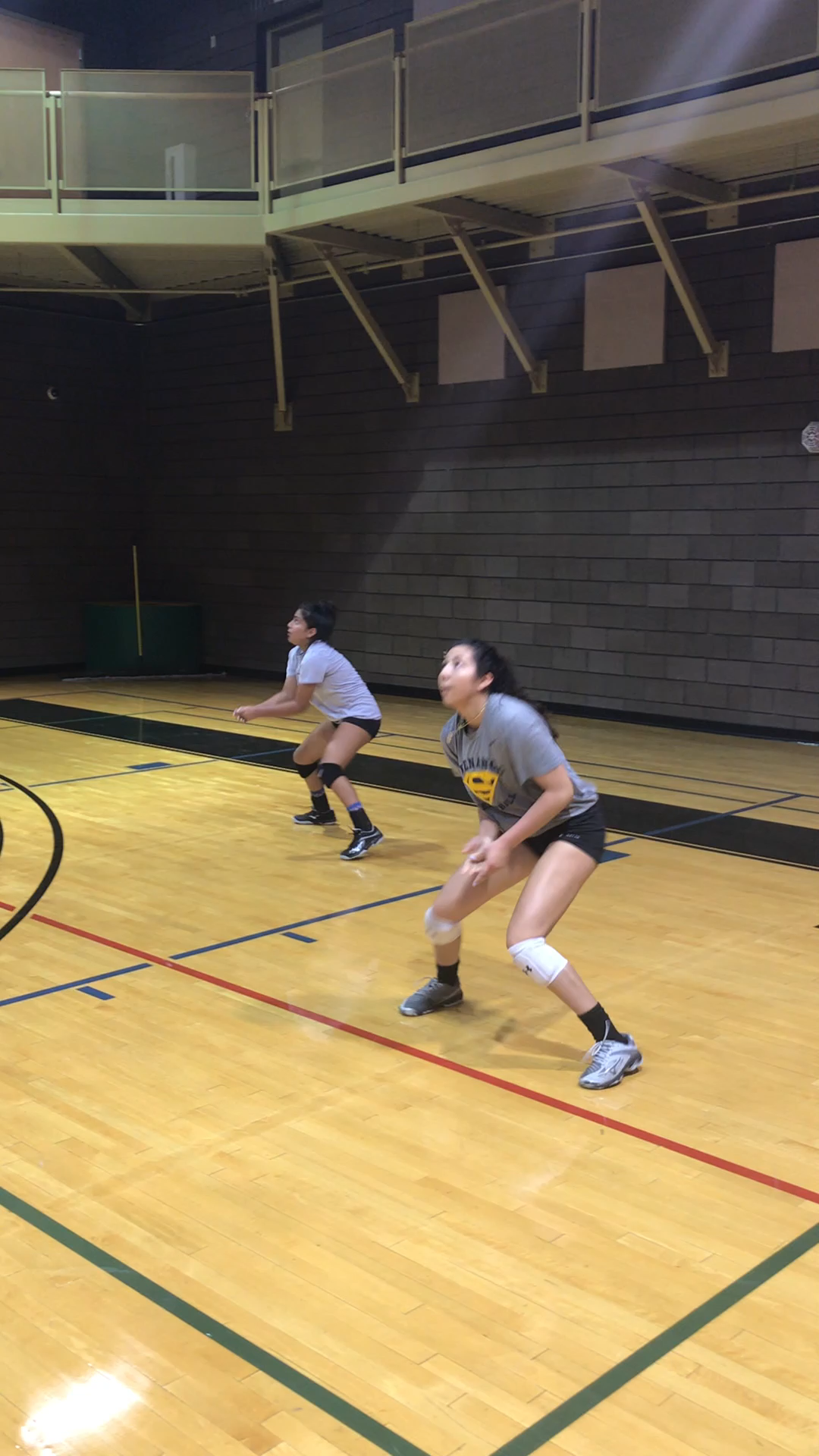 Volleyball Digging Drills That Will Help You Keep Balls Off The Floor Video Video Volleyball Drills Volleyball Workouts Volleyball Practice