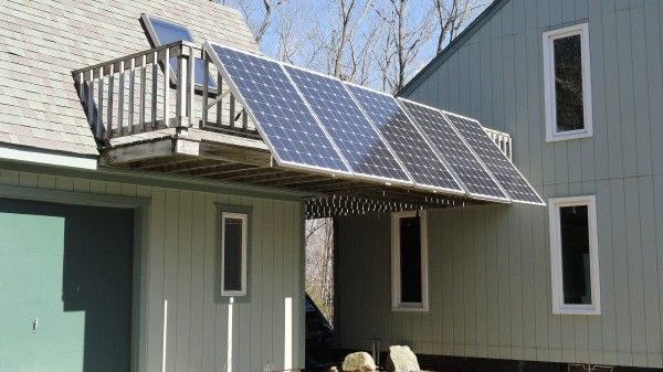 Plug In Solar Requires Only An Outdoor Outlet Earthtechling Solar Panels Best Solar Panels Renewable Solar