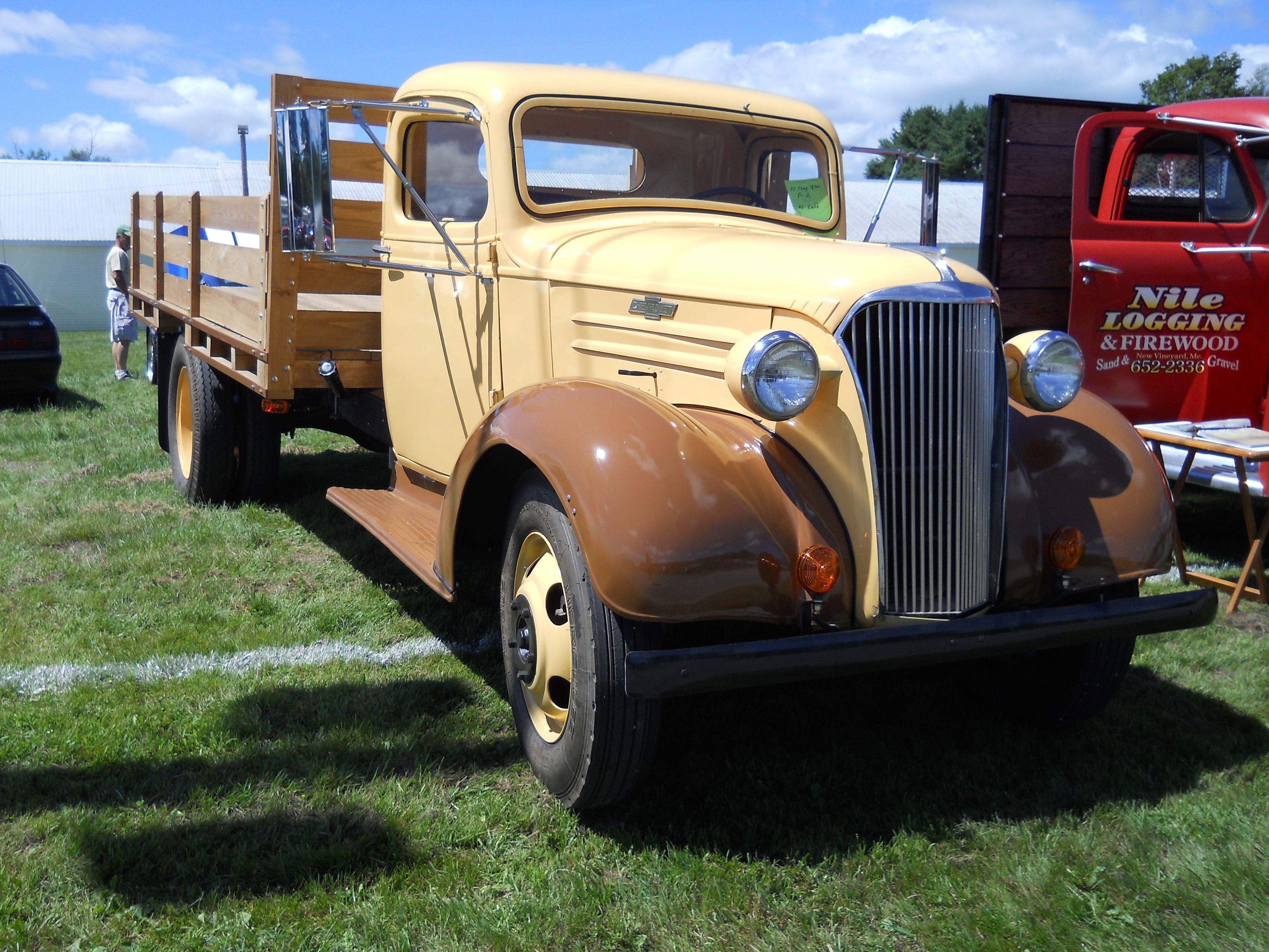 1 1/2 Ton 1937 Chevrolet Hauling Truck https//www.youtube