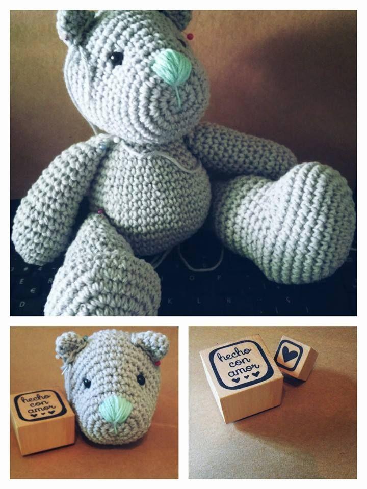 Un hermoso Teddy se suma al catalogo de Entre Ovillos Amigurumi!  Pedidos y/o consultas via mail a entreovillos@yahoo.com.ar o via mensaje privado