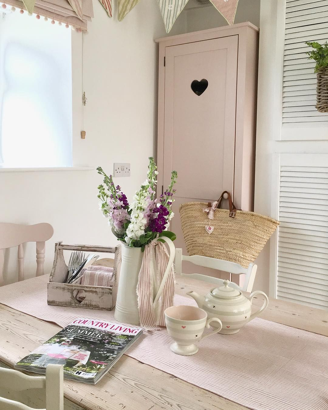 Countryhome Interior Design: Slow Start ... The Sun Is Shinning ... Having A Cup Of Tea