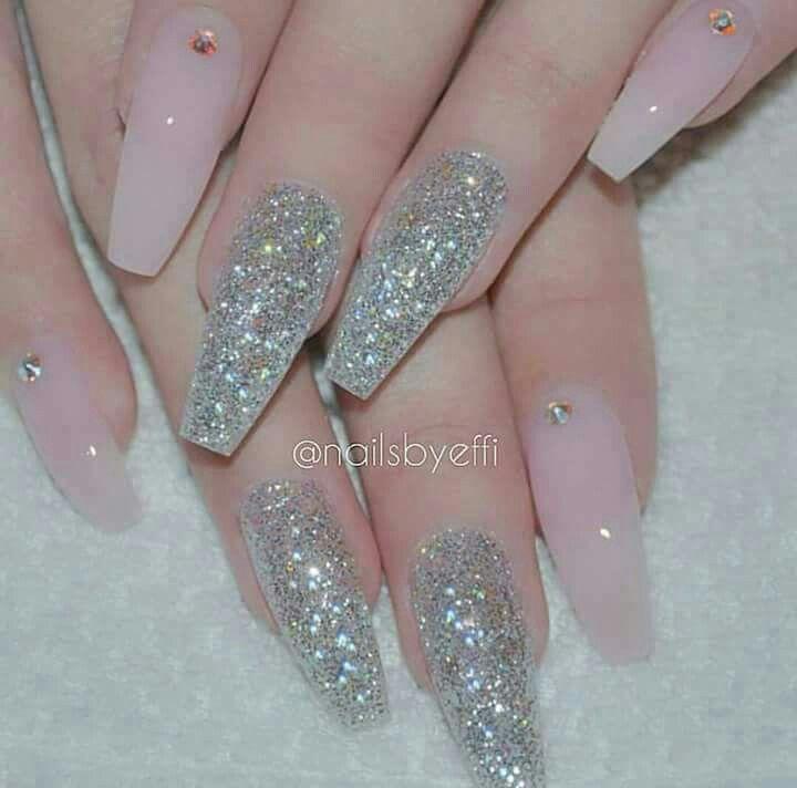 Uñas acrílico. Rosa claro con gliter plata | nail designs | Pinterest