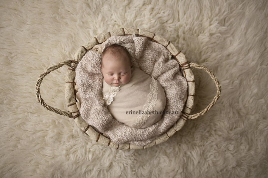 3 week old baby lily by erin elizabeth photography perth