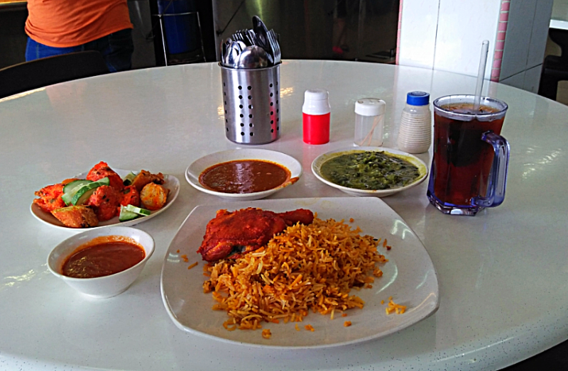Fried Chicken Saffron Rice At Juhailan Muslim Restaurant Foodie Eat Saffron Rice