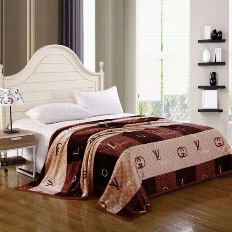 beste qualit t louis vuitton lv tagesdecke g nstig billig gut preiswert king size seide. Black Bedroom Furniture Sets. Home Design Ideas