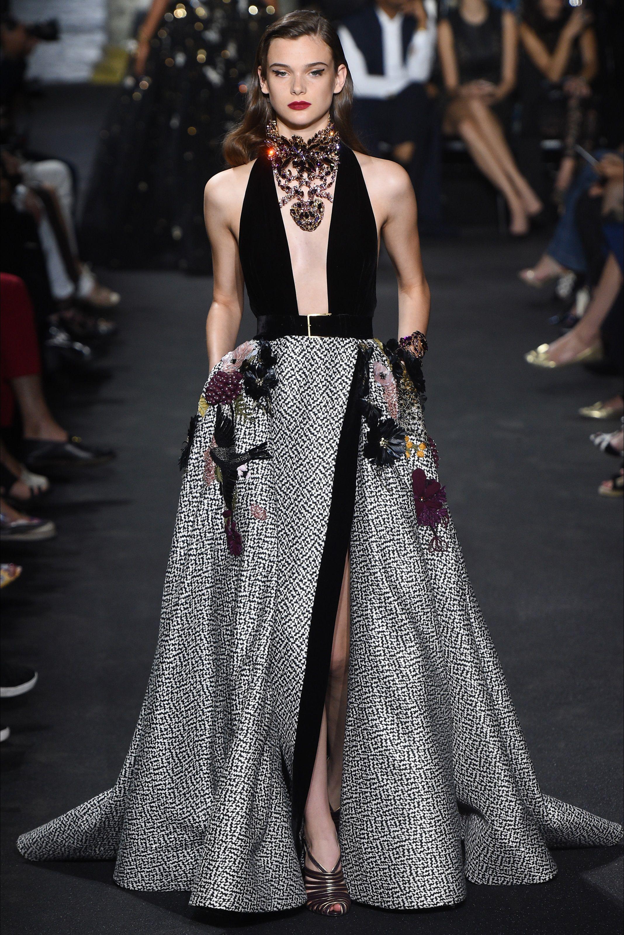 9c5ccf3c8fc5 Sfilata Elie Saab Parigi - Alta Moda Autunno-Inverno 2016-17 - Vogue Sfilata