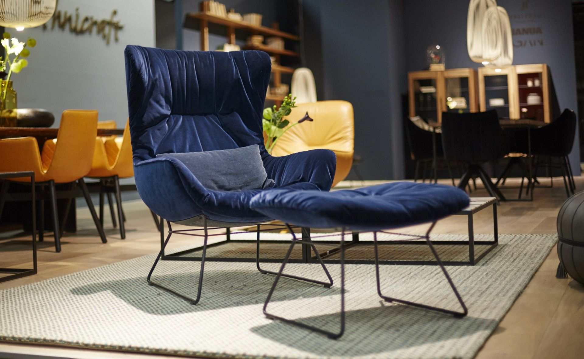freifrau berlin steidten einrichten mit architekturintelligenz lounge chairs pinterest. Black Bedroom Furniture Sets. Home Design Ideas