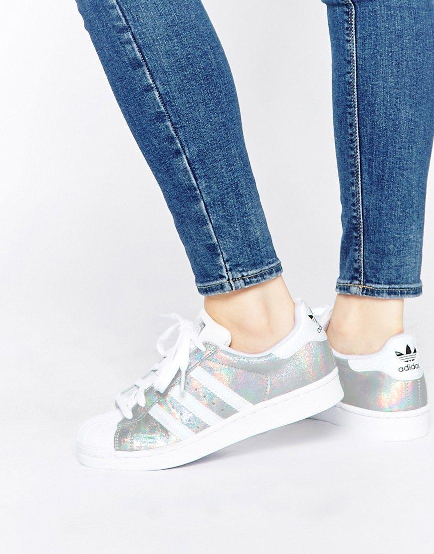 Immagine 1 di adidas Originals - Superstar - Scarpe da ginnastica bianche effetto olografico