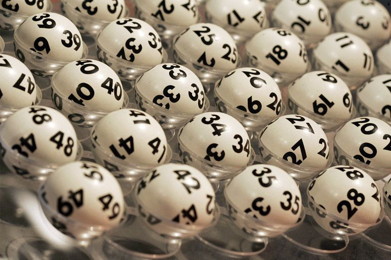 Do you know how the #lottery works? Does playing it make people happier? Do you play? http://entertainment.howstuffworks.com/state-lotteries-channel.htm