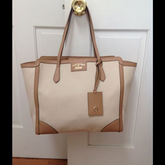 d4b504f6e0c42a Gucci Swing Tote Medium NWT 100% authentic. See photo for serial number. Was