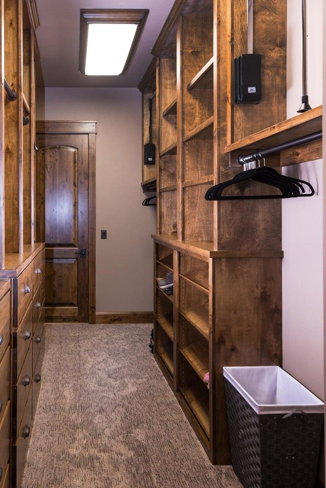 Ideas Of Functional And Practical Walk In Closet For Home: Resemblance Of Ideas Of Functional And Practical Walk In Closet For Home (con Imágenes)