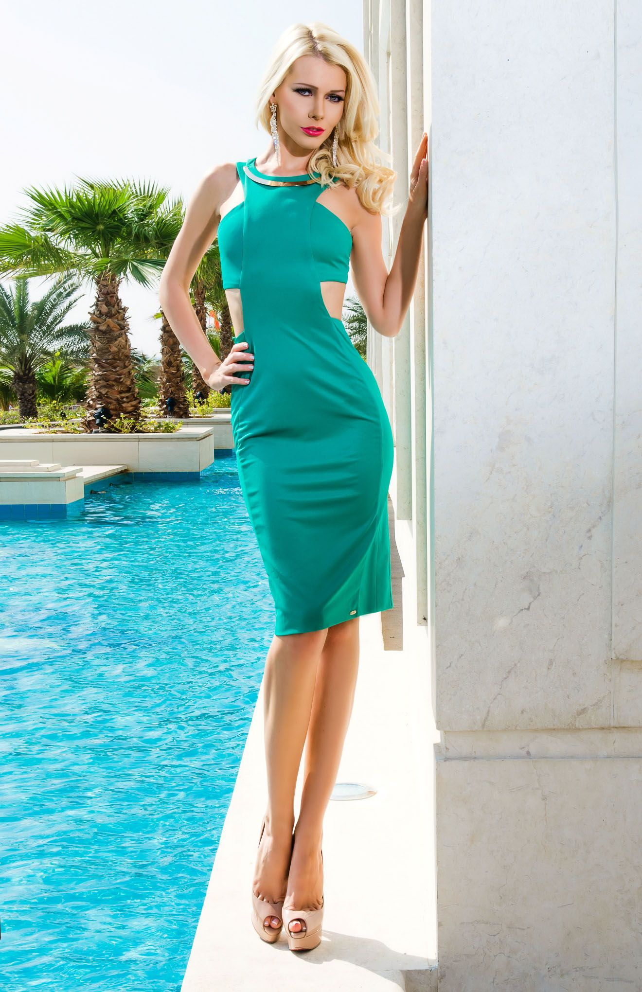 Try a pop of colour in this cut out body con dress from vero milano