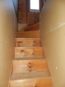 Superbe Walk Up Attic Stairs